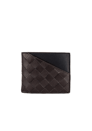 Bottega Veneta Billfold Wallet in Fondente & Black - Brown,Black. Size all.