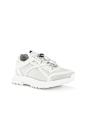 Givenchy Spectre Runner Low With Cage in White - White. Size 40 (also in 41,44,42,43,45).