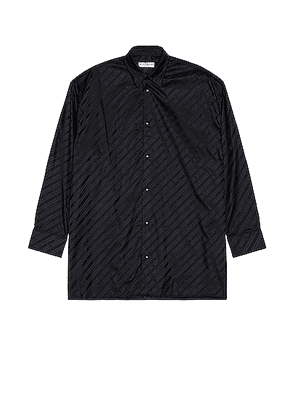 Givenchy Givenchy Chain Shirt in Black - Black,Abstract. Size 38 (also in 39,40,41).
