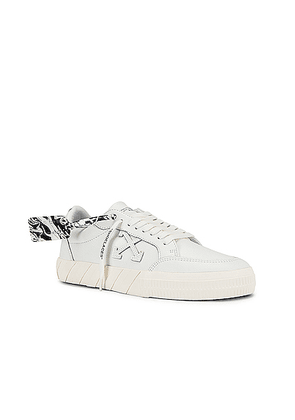 OFF-WHITE Low Vulcanized Sneaker in White & White - White. Size 41 (also in 43).