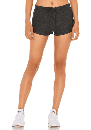 Beyond Yoga Such A Featherweight Jogger Shorts in Charcoal. Size XS,S,M.