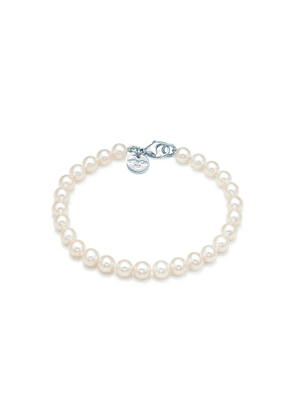 Ziegfeld Collection bracelet of freshwater cultured pearls with a silver clasp - Size 5-6 mm