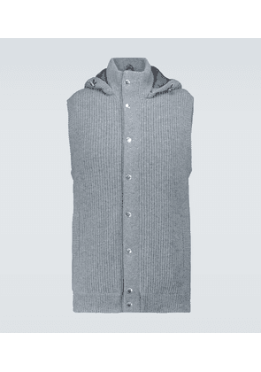 Cashmere hooded gilet