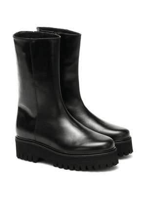 Sporty Elegance leather boots