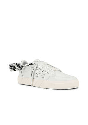 OFF-WHITE Low Vulcanized Sneaker in White. Size 41.
