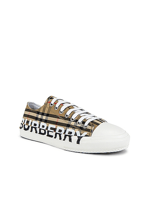 Burberry Larkhall Logo Low Top Sneaker in Archive Beige - Neutral,Plaid. Size 41 (also in 42,40).