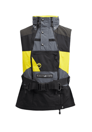The North Face - Steep Tech Buckled Shell Vest - Mens - Black Yellow