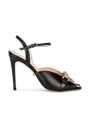 Gucci Sylvie Chain Leather Sandals in Nero - Black. Size 36 (also in 35,36.5,37,38,39.5,40,41).