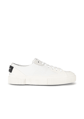 Givenchy Tennis Light Low Sneakers in White - White. Size 40 (also in 37,39.5,41).