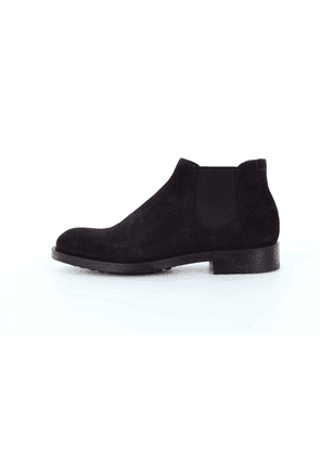 Doucal's Point suede ankle boot with round toe