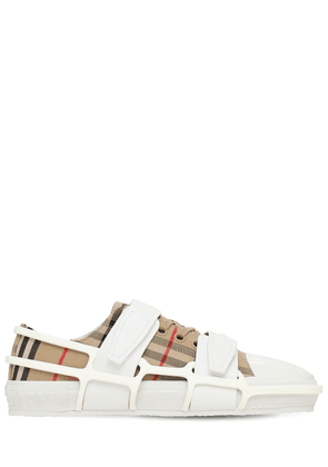 Check Canvas Cage Buckle Low Sneakers