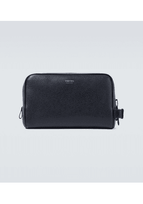 Grained leather washbag