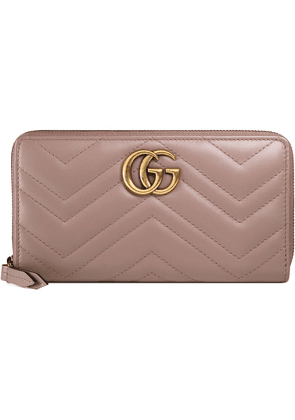 Gucci GG Marmont zip around wallet - PINK