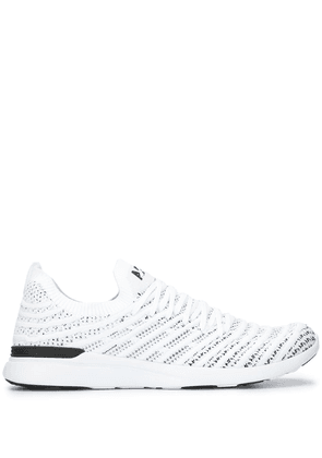 APL: ATHLETIC PROPULSION LABS low-top sneakers - White