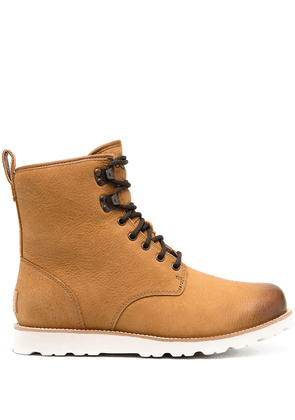 UGG shearling-lined hiking boots - Neutrals