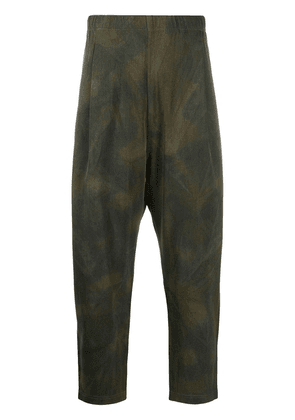 Universal Works space-dye pleated trousers - Green