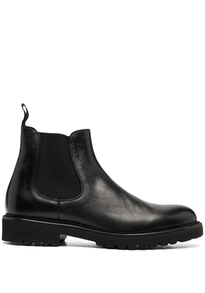 Doucal's low-ankle Chelsea boots - Black