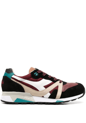 Diadora panelled colour block sneakers - Red