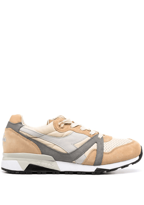 Diadora panelled colour block sneakers - Brown