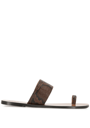 ATP Atelier toe-strap leather sandals - Brown