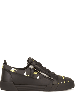 Giuseppe Zanotti The Shark 5.0 Low banana-print sneakers - Black