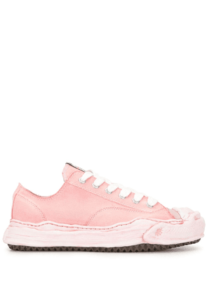 Maison Mihara Yasuhiro low-top lace-up sneakers - PINK