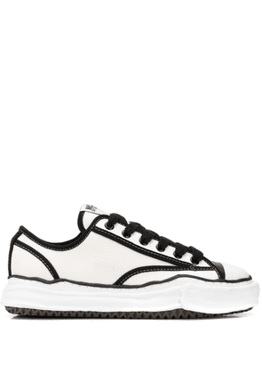 Maison Mihara Yasuhiro Original Sole Trick low-top sneakers - White