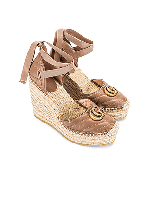 Gucci Leather Platform Espadrille Wedges in Rose - Nude. Size 38 (also in ).