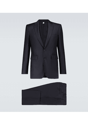 Classic single-breasted wool suit