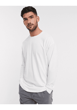 New Look long sleeve oversized cuffed t-shirt in white