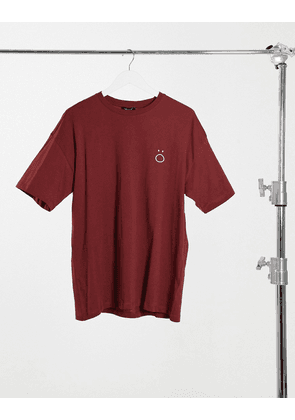 New Look t-shirt with embroidered face print in red