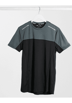 ASOS 4505 running t-shirt with contrast panels-Black
