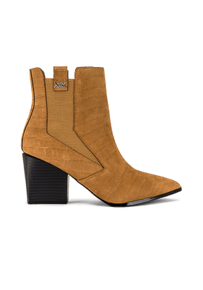 KENDALL + KYLIE Finigan Croco Embossed Bootie in Tan. Size 6, 6.5, 7, 7.5, 8.5, 9, 9.5, 10.