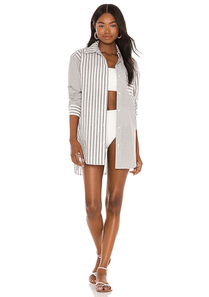 Solid & Striped The Oxford Tunic in Grey,White. Size M, L.