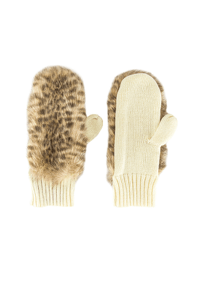 jocelyn Faux Fur Mitten in Beige.
