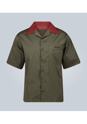 Short-sleeved camp collar shirt with logo