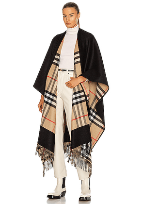 Burberry Charlotte Long Giant Check Reversible Cape in Black - Black. Size all.