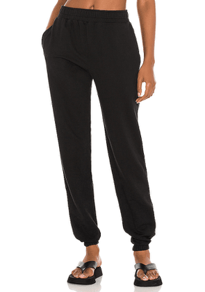 YEAR OF OURS Boyfriend Sweatpant in Black. Size M, S, XS.