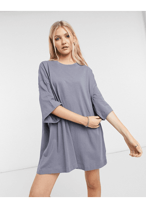Weekday Huge t-shirt dress in blue