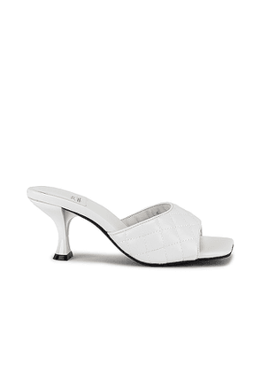 Jeffrey Campbell Mr Big Mule in White. Size 6.