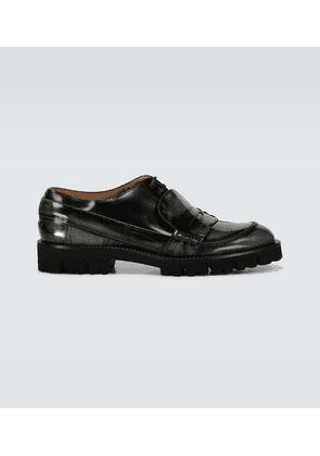 Fusion brushed leather shoes