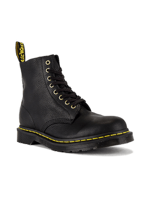 Dr. Martens 1460 Pascal Boot in Black. Size 7.