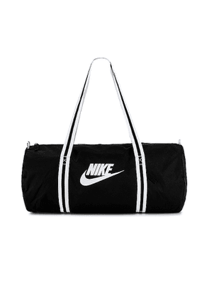 Nike NK Heritage Duff Bag in Black.
