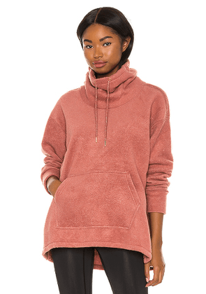 Nike Thermal Cozy Cowl Sweater in Coral. Size XS.