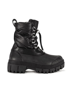 Rag & Bone RB Winter Boot in Black. Size 36.