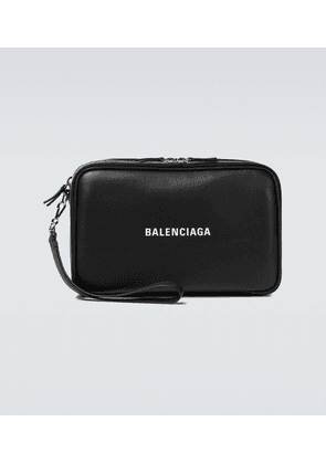 Everyday leather pouch
