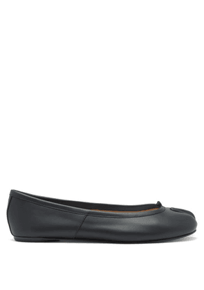 Maison Margiela - Tabi Split-toe Leather Ballet Flats - Womens - Black