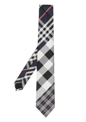 Burberry check pointed tip tie - Black