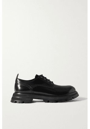 Alexander McQueen - Glossed-leather Exaggerated-sole Brogues - Black