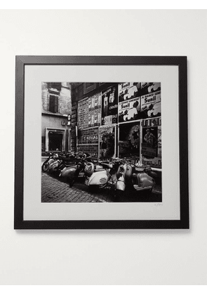 Sonic Editions - Framed 1955 Scooters in Rome Print, 16 x 20'' - Men - Black